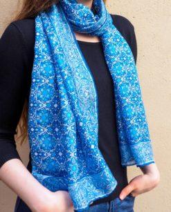 Fular de seda natural azul para el cuello