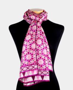 pañuelo mujer de seda rosa para el cuello