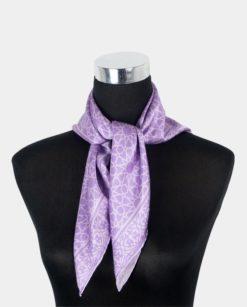 Pañuelo de seda cuadrado para el cuello morado
