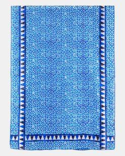 Fular de seda estampado con patrón geométrico azul