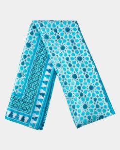 Fular seda grande con estampado geométrico azul y blanco