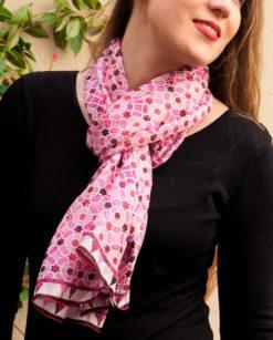 Pañuelo de seda para el cuello morado
