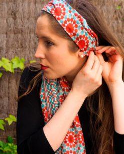 Pañuelo de seda natural para la cabeza azul y rojo