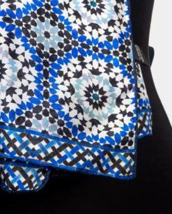 detalle fular de seda costura manual
