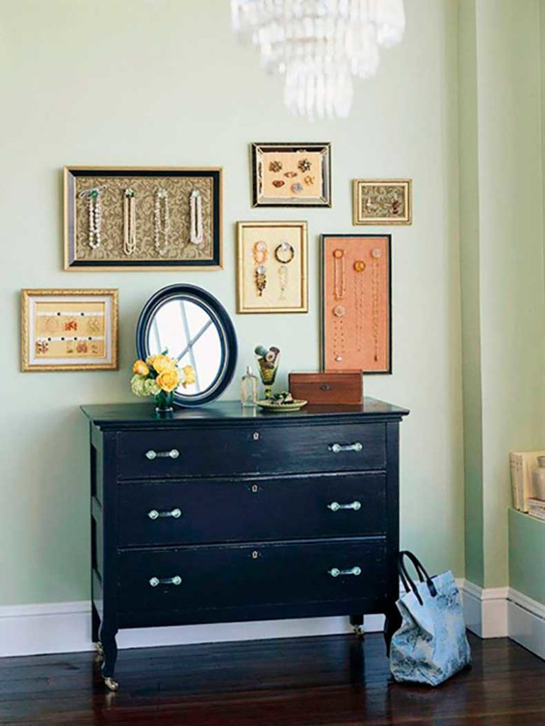 Using jewelry to decorate your home